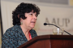 Judy Ancel, Directora del Institute for Labor Studies enUMKC y activista communitaria.